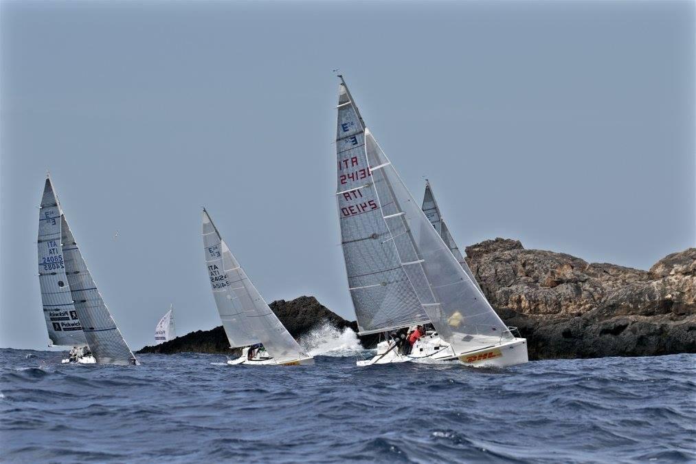 Este 24 Coastal race 2016 01