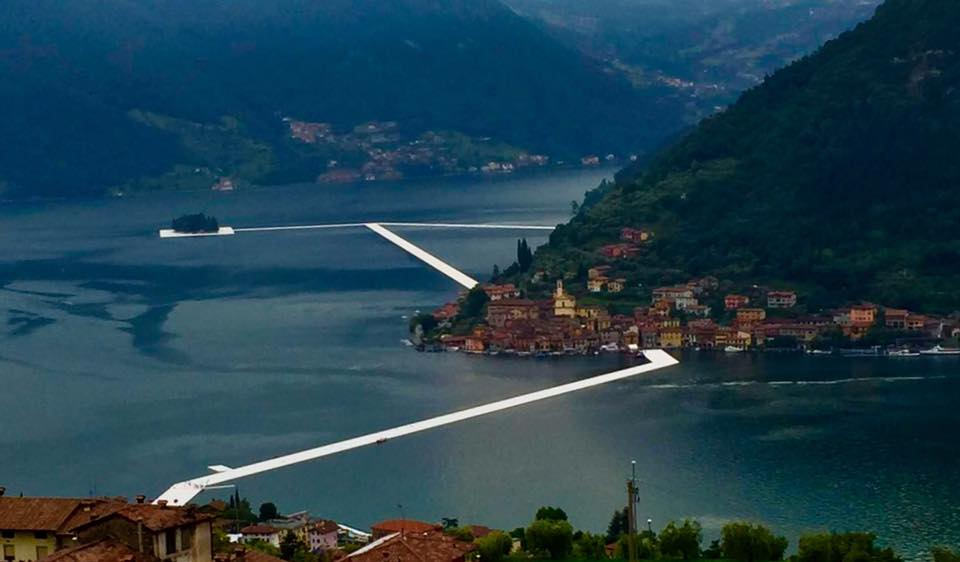 The Floating Piers passerella Christo lago Iseo 01