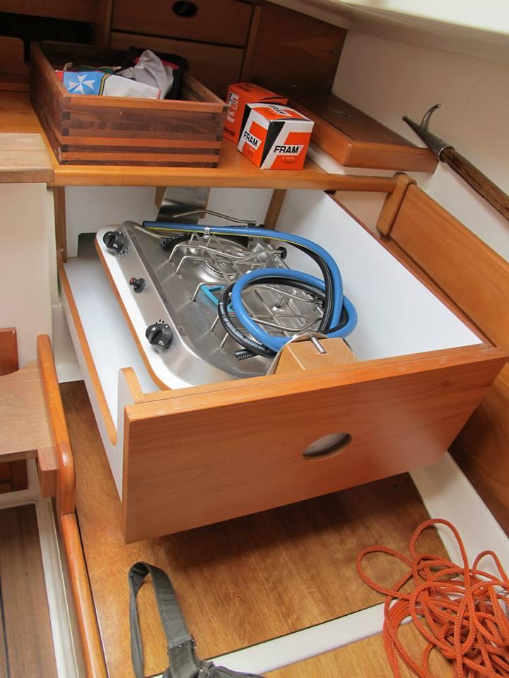 colombo-catboat-interni-10