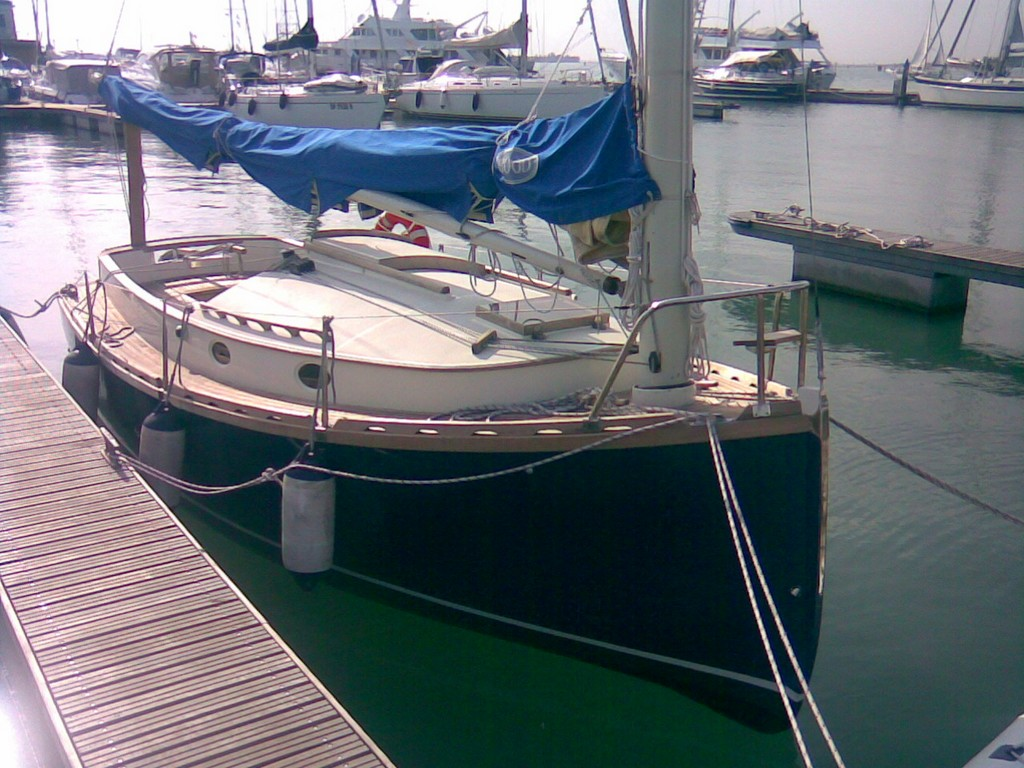 difference-catboat-colombo-leopoldo-01