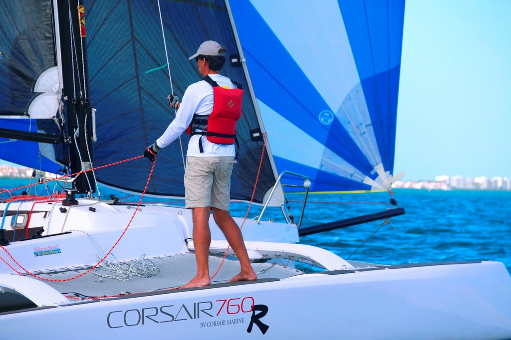 Corsair-760-R-trailerable-trimaran-03