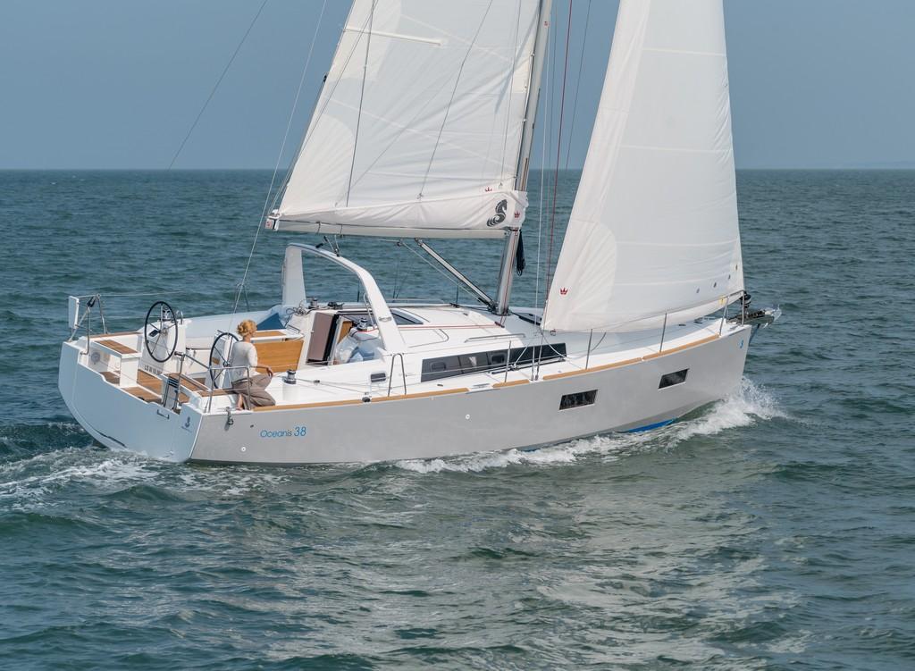 beneteau-oceanis-38