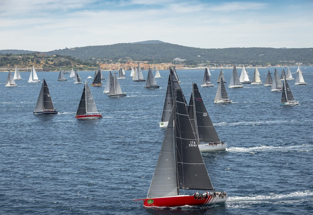 Start fleet in Bay of Saint-Tropez