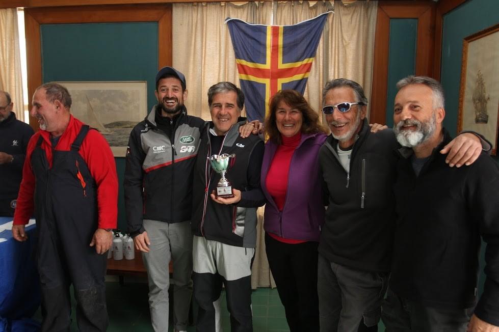 il vincitore Trofeo Lozzi equipaggio Ita 428 Pelle Rossa