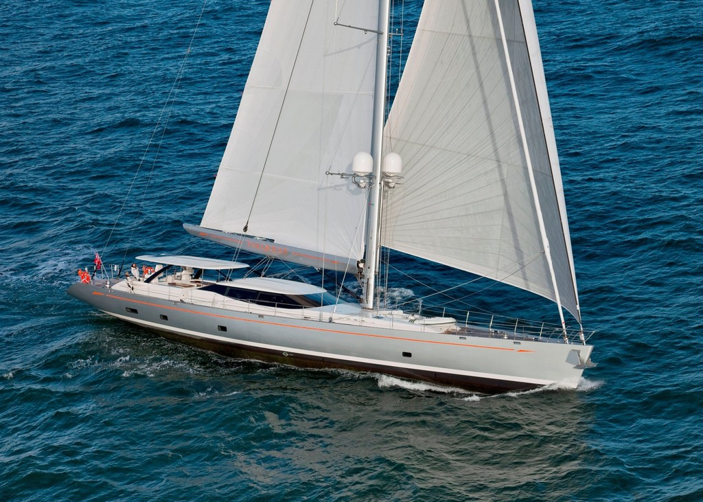 prestigious-iss-design-leadership-awards-2015-winners-4230-ypi-confirm-two-superyachts-for-antigua-charter-show