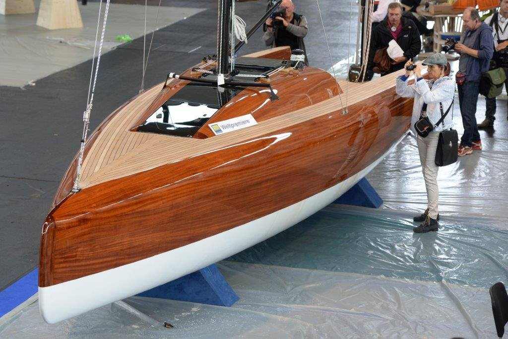 La Yacht - LA 28 01
