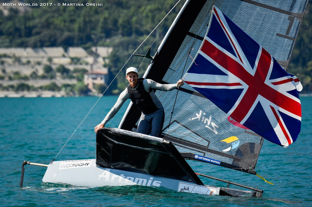 Moth-Worlds 30-7-Martina-Orsini 01 01