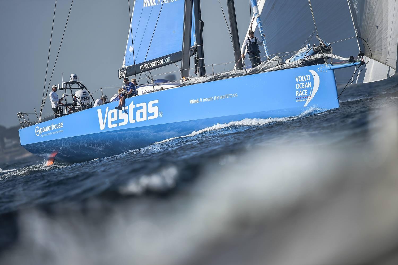 Volvo Ocean Race start leg 9 01