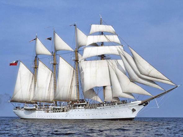 nave scuola spagnola Juan Sebastiàn Elcano