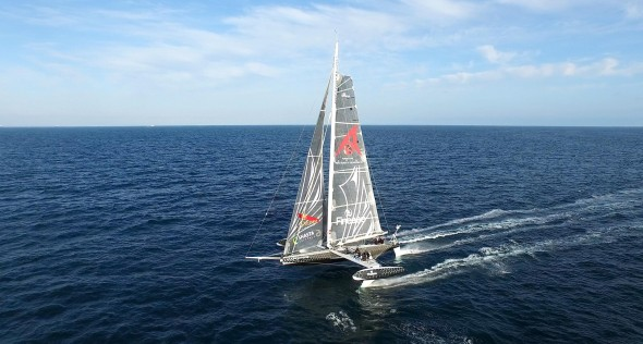 Hydroptere took off to Hawaii