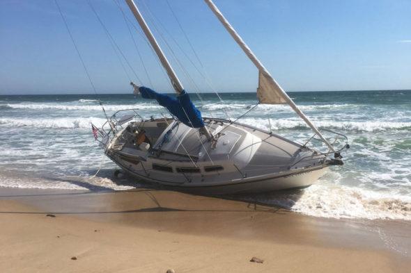 Catalina 26 spiaggiato